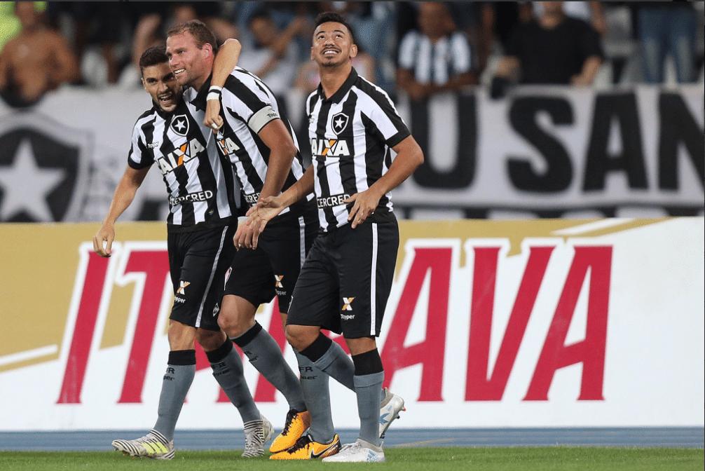 127874ea03 Botafogo já tem time base para 2018