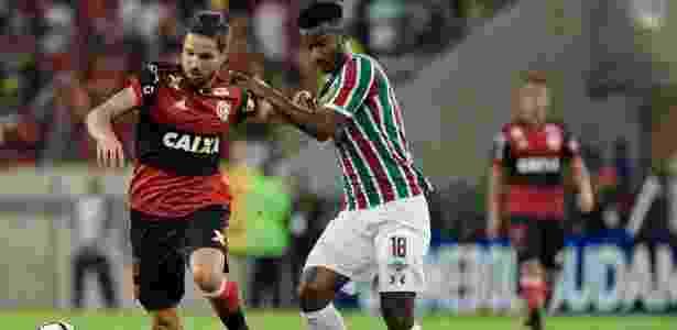Diego e Orejuela disputam bola no Fla-Flu desta quarta-feira  - Thiago Ribeiro/AGIF