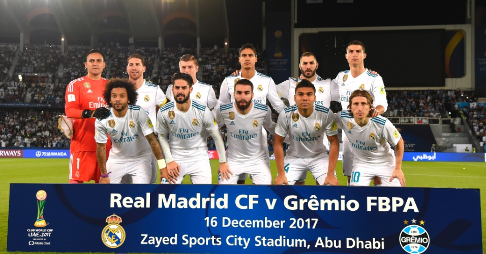 Time do Real Madrid posa para foto antes da final do Mundial de Clubes