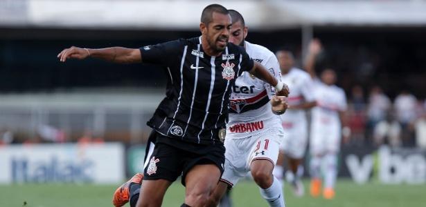 Atacante Júnior Dutra defendeu o Corinthians por 22 jogos e marcou apenas três gols