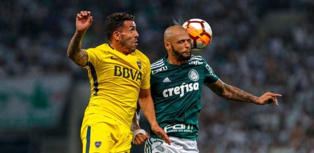Carlos Tévez e Felipe Melo dividem no alto durante Palmeiras x Boca Juniors