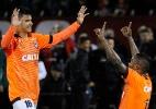 Atlético-PR leva sufoco e perde do Newell