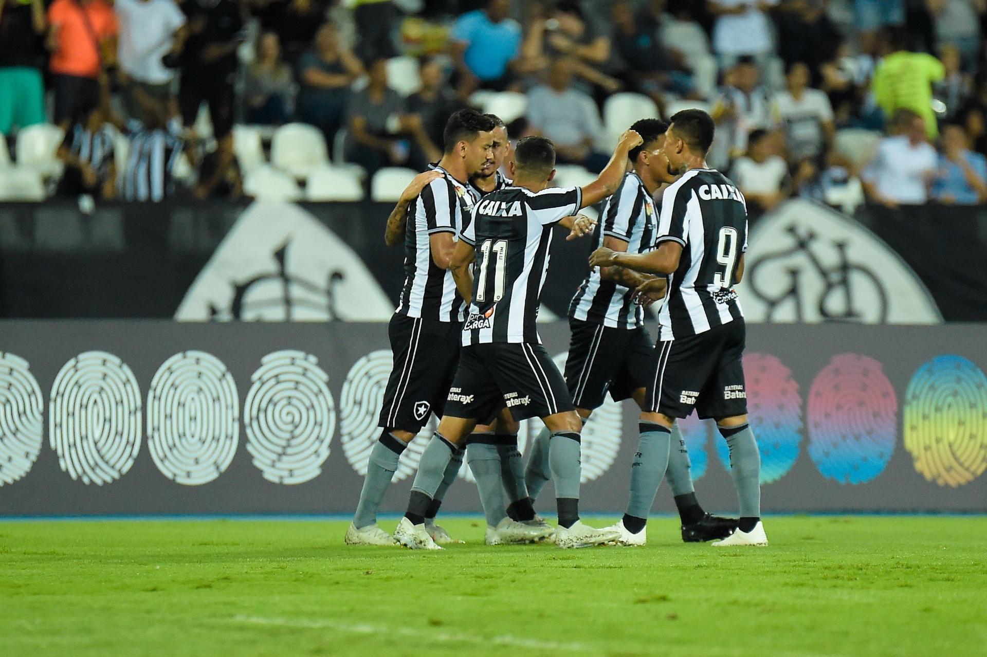 Botafogo mira 10ª posição do Brasileiro por premiação de 1 a8043ef0d1d56