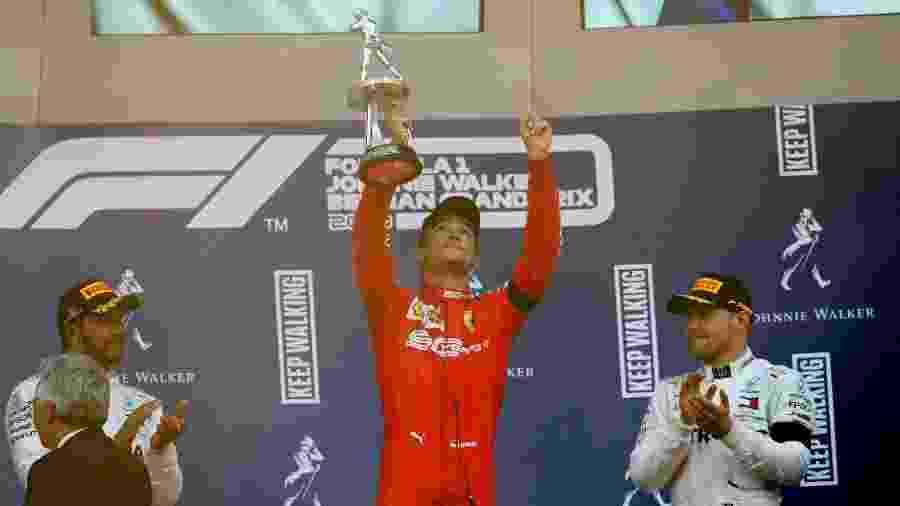 Charles Leclerc, da Ferrari, celebra a vitória no GP da Bélgica com homenagem ao piloto e amigo Anthoine Hubert, morto no dia anterior - Francois Lenoir/Reuters