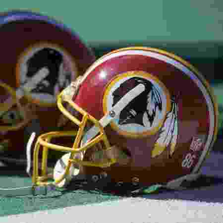 Capacete do Washington Redskins - Doug Pensinger/Getty Images