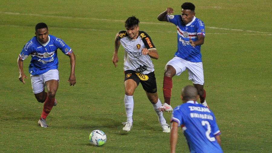 Sport levou a melhor no primeiro turno e venceu o Bahia por 2 a 1, em Pituaçu - Jhony Pinho/AGIF