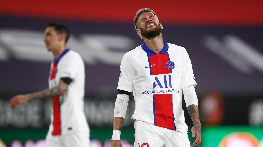 Neymar lamenta chance de gol perdida diante do Rennes, no Campeonato Francês - STEPHANE MAHE/REUTERS