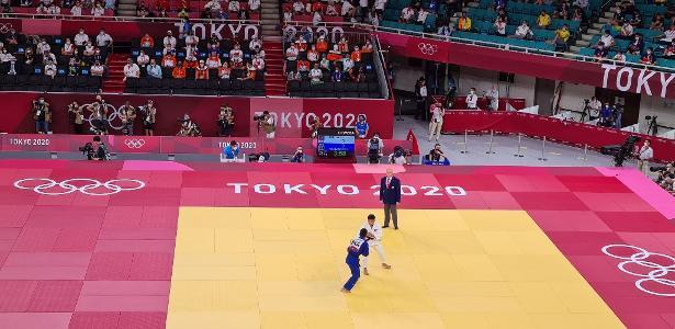 Com ippon, Takabatake vence no judô até 60 kg e se classifica às oitavas