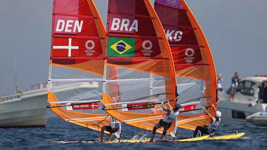Brasileira Patrícia Freitas entre Laerke Buhl-Hansen, da Dinamarca, e Chan Hei Man, de Hong Kong - Ivan Alvarado/Reuters