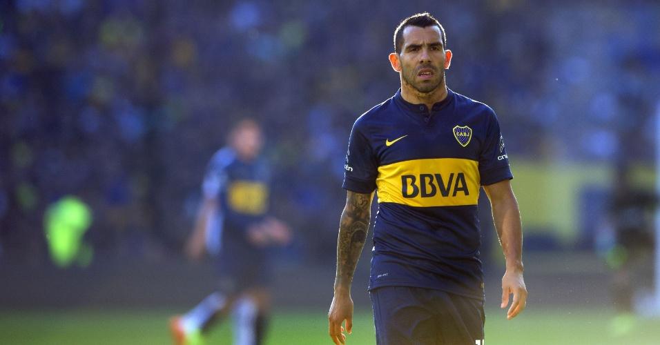 18.jul.2015 - Carlitos Tevez voltou ao Boca Juniors na partida contra o Quilmes pelo Campeonato Argentino