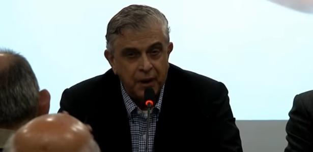 Justiça determinou que Petraglia indenize árbitro por ofensas