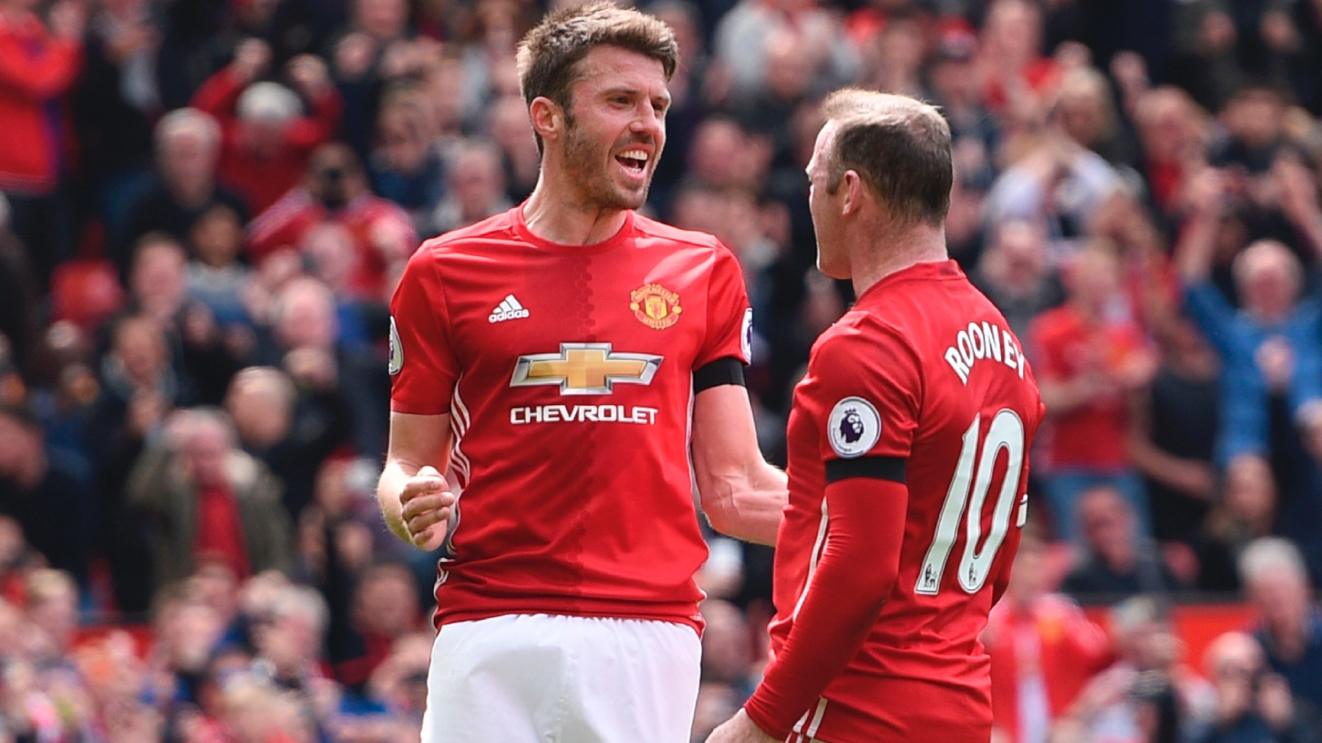 Michael Carrick comemora gol do Manchester United com Rooney