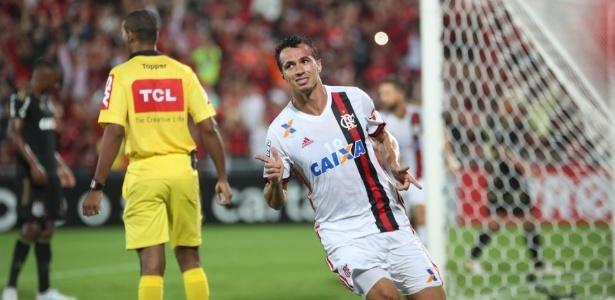 Leandro Damião é alvo do Internacional para o comando do ataque na Série B