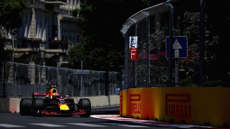 Max Verstappen, da Red Bull, durante treinos livres do GP do Azerbaijão - Dan Istitene/Getty Images