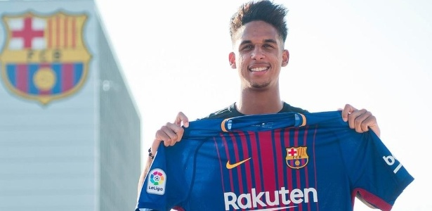Vitinho vestiu a camisa do Barcelona nesta terça-feira
