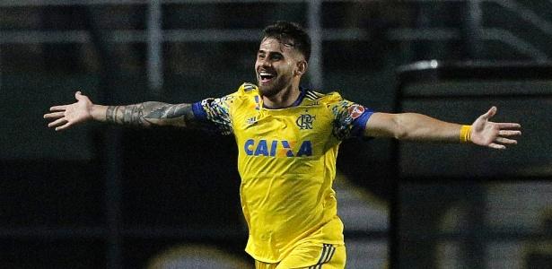 Atacante Felipe Vizeu agrada Jair Ventura e pode ir para o Santos no caso Zeca