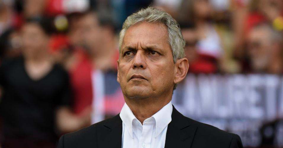 O colombiano Reinaldo Rueda é o técnico do Flamengo contra o Fluminense