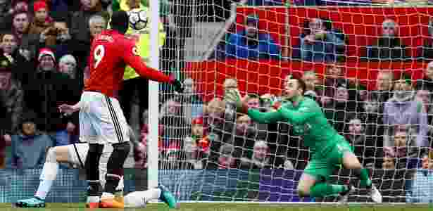 Lukaku anota o primeiro gol do United sobre o Swansea - Jason Cairnduff/Reuters - Jason Cairnduff/Reuters