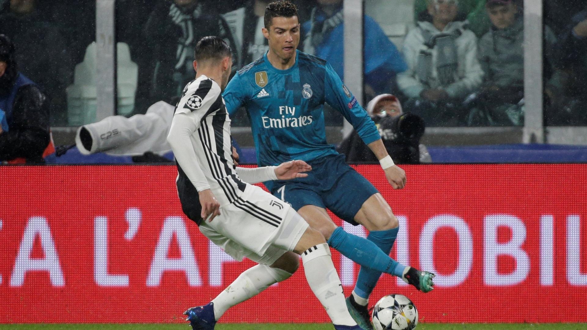 Cristiano Ronaldo em ação na partida entre Juventus e Real Madrid, pela Liga dos Campeões
