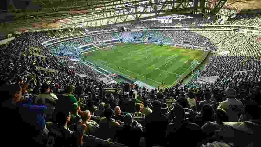 Agasalhos poderão ser depositados em urnas nas entradas do Allianz Parque e outros locais - Eduardo Knapp/Folhapress