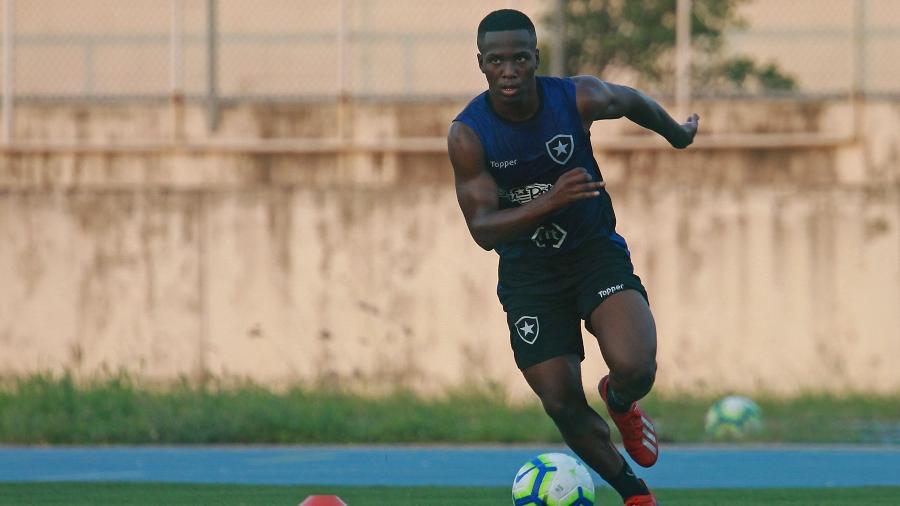Lateral esquerdo Jonathan foi o último atleta a ser vendido pelo Botafogo em 2019 - VITOR SILVA/SSPRESS/BOTAFOGO