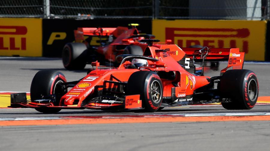 Carros da Ferrari durante o GP da Rússia - Maxim Shemetov/Reuters