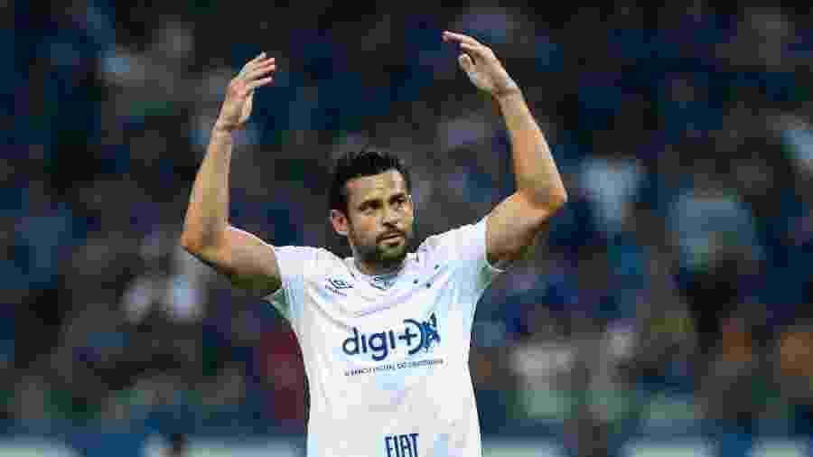 Atacante Fred usa uniforme do Cruzeiro com patrocínio do Digimais - Bruno Haddad/Cruzeiro
