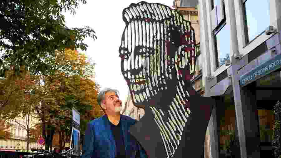 Neymar é homenageado com escultura em Paris, na França - Divulgação