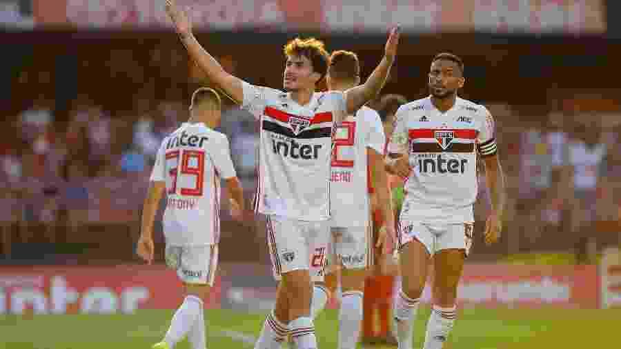 Igor Gomes comemora seu gol pelo São Paulo durante partida contra o Atlético-MG - Daniel Vorley/AGIF