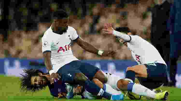 Andre Gomes tem lesão grave durante jogo entre Everton e Tottenham 3 - Andrew Yates/Reuters - Andrew Yates/Reuters