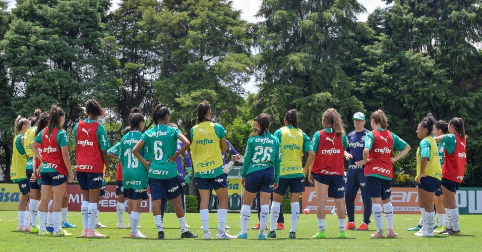 Palmeiras treina na Academia de Futebol