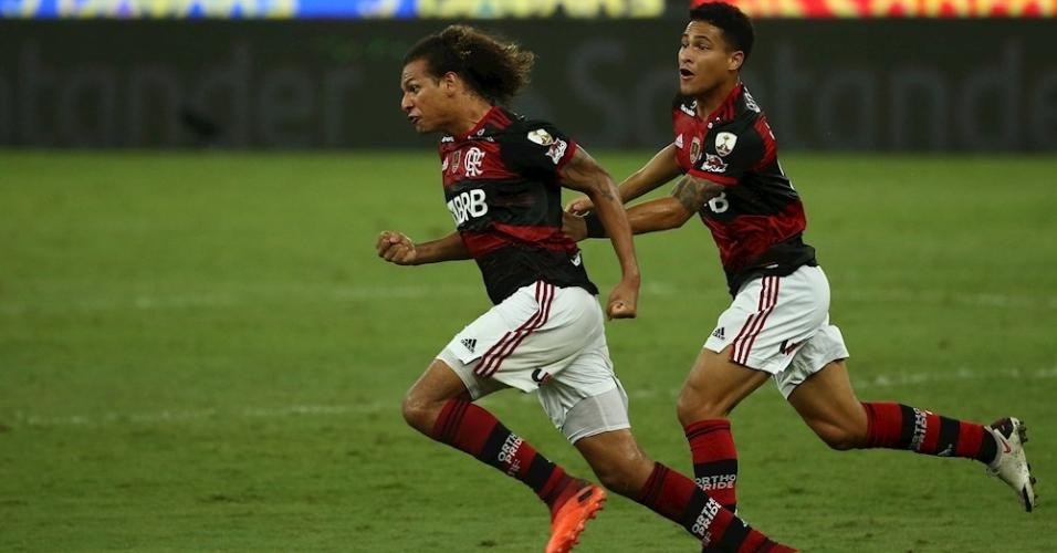 Willian Arão comemora gol do Flamengo contra o Racing pela Libertadores
