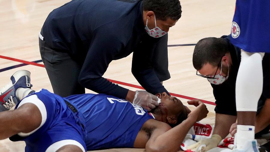 Leonard caiu feio na hora do ferimento - Matthew Stockman/Getty Images/AFP
