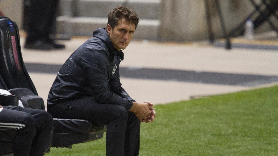 Guillermo Barros Schelotto, ex-técnico do Los Angeles Galaxy, foi procurado pelo São Paulo - Chris Gardner/Getty Images