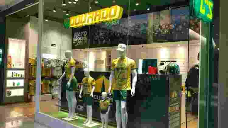 Dourado Store: loja oficial do Cuiabá situada em um dos principais shoppings da capital mato-grossense - Bruno Braz / UOL Esporte - Bruno Braz / UOL Esporte