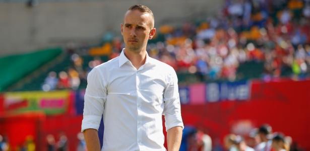 Mark Sampson deixa o cargo de técnico da seleção inglesa feminina de futebol