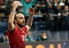 Com gols e dribles mágicos, português do futsal desafia a física (e vence!) - EFE/EPA/SRDJAN