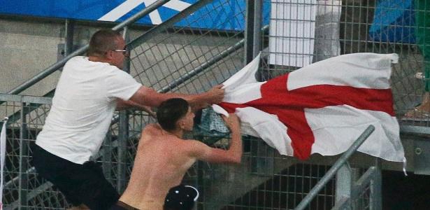 Confronto entre torcedores russos e ingleses marcou a Eurocopa