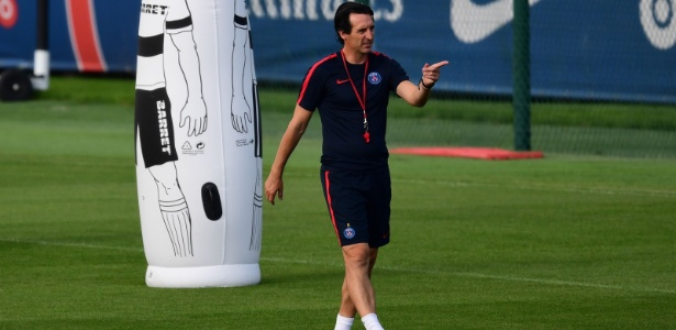 O técnico Unai Emery tem grande admiração por Neymar