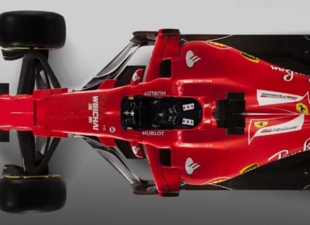 Vista de cima da região do cockpit do novo carro da Ferrari