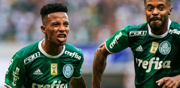 Tchê Tchê e Michel Bastos comemoram gol do Palmeiras contra o São Paulo