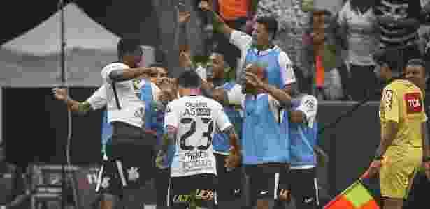 Corinthians tem quase 80% de chances de título, segundo o site Chance de Gol - Ricardo Nogueira/Folhapress