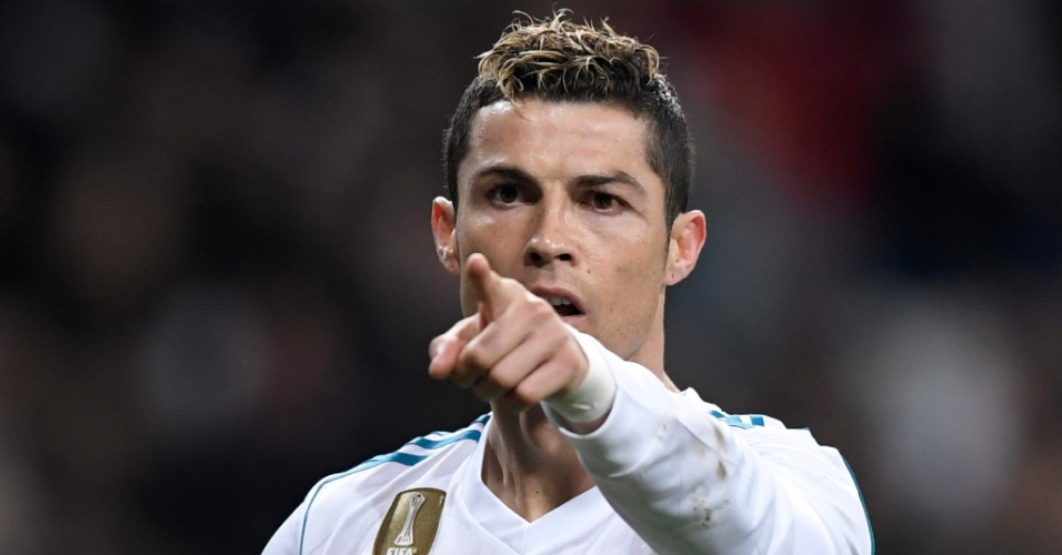 CR7 marca dois na goleada do Real Madrid diante do Real Sociedad