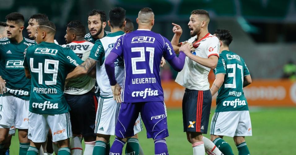 Confusão entre jogadores de Palmeiras e Flamengo no Allianz Parque