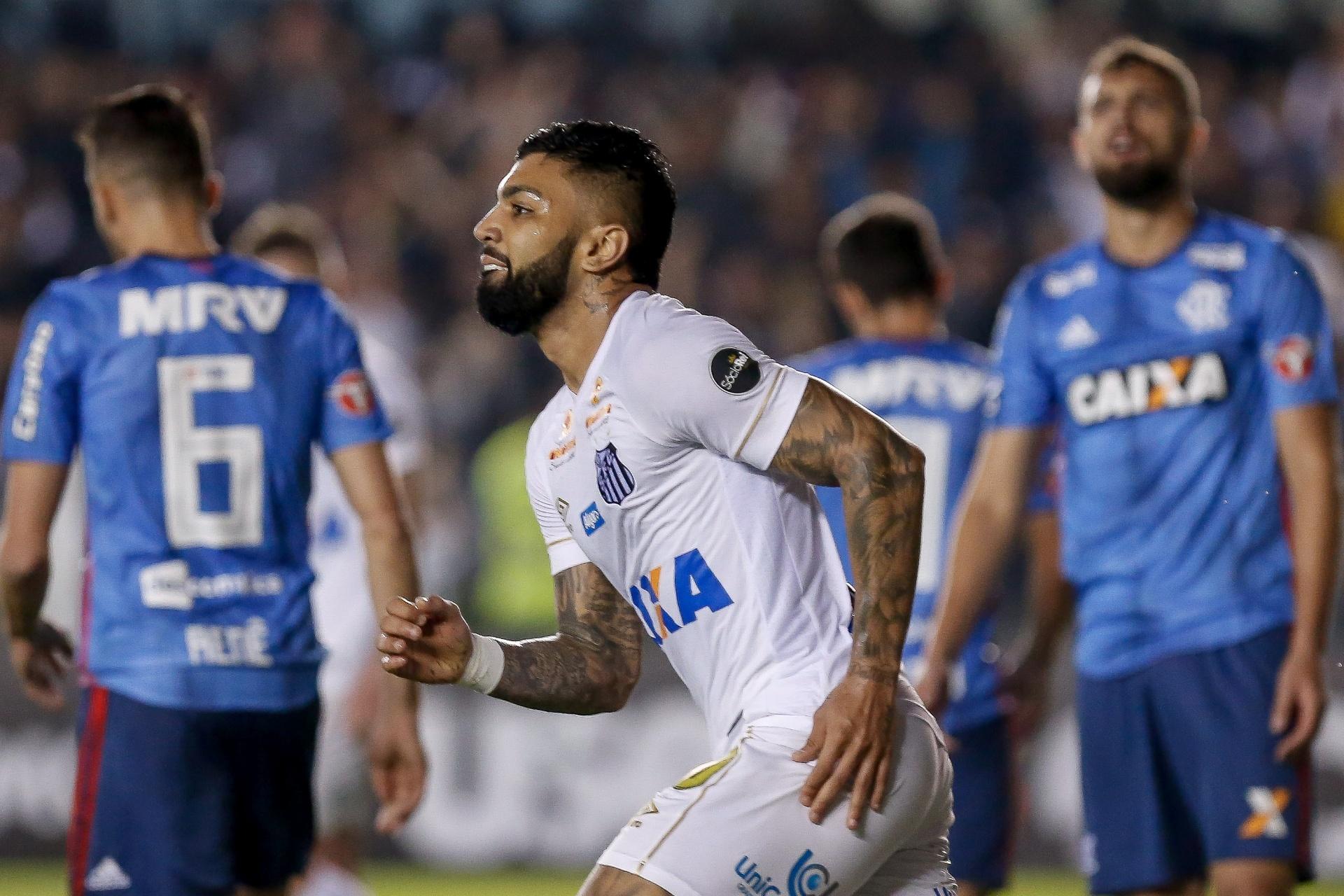 Santos e Flamengo empatam em jogo de bons dribles na Vila - 25 07 2018 -  UOL Esporte 55a53fc03c610
