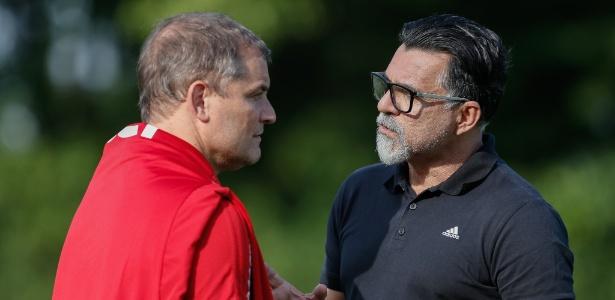 O técnico Diego Aguirre e o coordenador de futebol do clube, Ricardo Rocha - Marcello Zambrana/AGIF