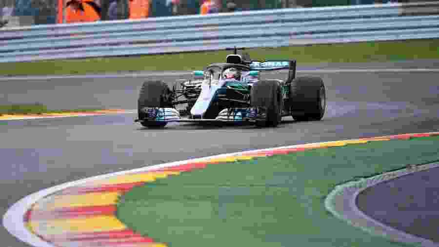 Lewis Hamilton durante o treino classificatório para o GP da Bélgica - Emmanuel Dunand//AFP