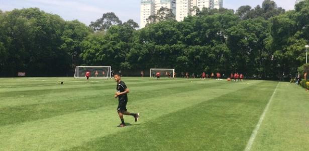 Everton só correu no gramado do CT da Barra Funda, mas não deve desfalcar o São Paulo