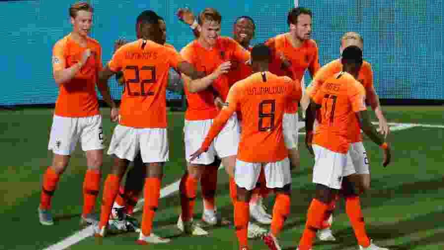 Holanda comemora gol contra a Inglaterra na Liga da Nações - SUSANA VERA/REUTERS