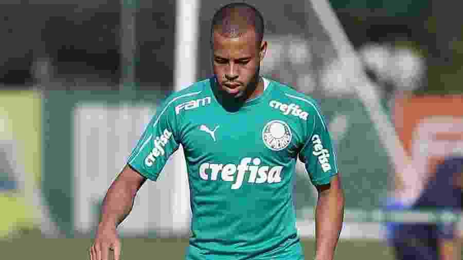 Lateral direito Mayke fez um treino completo com o grupo do Palmeiras após cirurgia nos adutores  - Cesar Greco/Ag. Palmeiras/Divulgação